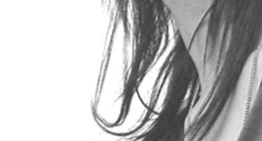 女性モノクロ